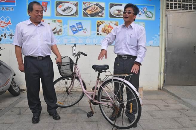 溫起鋒在金門代步的腳踏車。(李金生攝)