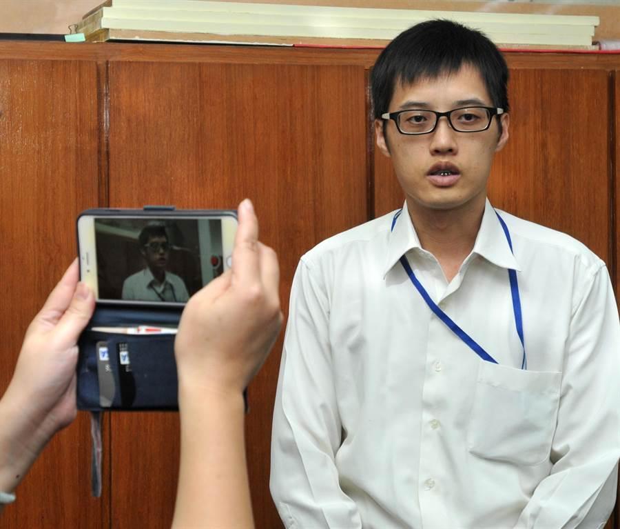 金门地检署主任检察官康惠龙表示,温男交付移民署收容等待后续处理。(李金生摄)
