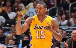 NBA》易建聯又少競爭者 湖人考慮世界和平當助教