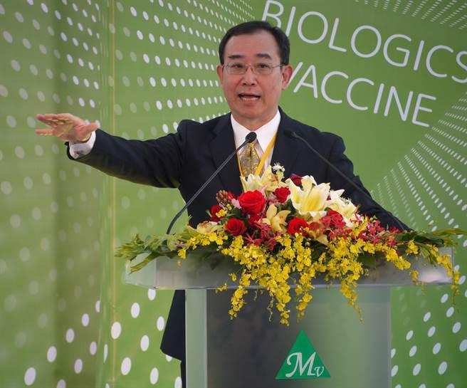 基亞疫苗竹北廠26日落成,董事長張世忠表示,此為台灣首家由民間主導投資設立且具商業化量產能力的疫苗廠。(陳育賢攝)