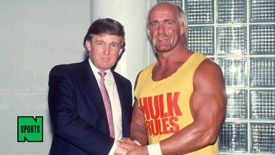 圖為川普(左)和著名摔跤選手霍克˙霍根(右)合照。(圖/網路)