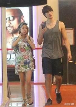 情侶「最萌身高差」是這比例!身高差越多越甜蜜的明星情侶檔