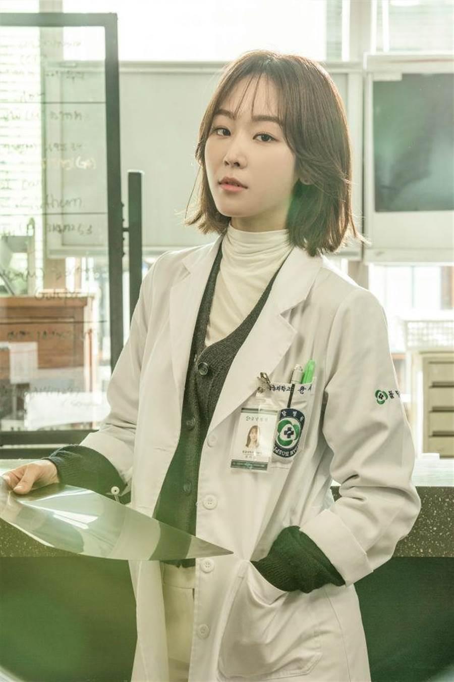 徐玄振在《浪漫醫生金師傅》飾演外科醫生(圖/KKTV 提供)