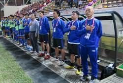 中華男足教練團 寶島一哥按讚