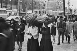 舊影新看:莊靈》60年代的首爾街頭