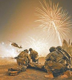 《比利‧林恩的中場戰事》戰爭-美國人愛國主義的矛盾