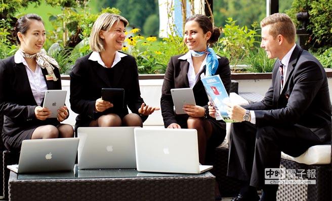 HTMi瑞士飯店管理大學教學互動實景。圖/業者提供