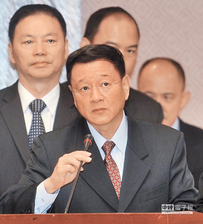 退役人員赴陸參加官方正式活動,國防部副參謀長王信龍14日在立院答詢,認為不適宜。(劉宗龍攝)