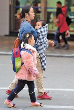育兒、家務由母扛 陸94%是影子爸爸