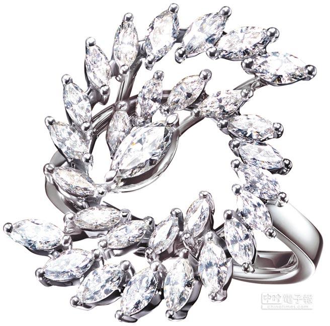 3.TASAKI spinner鑽石鉑金戒指,62萬5000元。