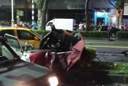 JAGUAR與BMW酒後尬車 撞5車1人命危