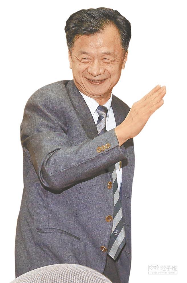 法務部長邱太三表示,最快明年2月提出法務部版本《伴侶法》。(張鎧乙攝)