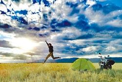 騎車遠征3萬公里 罕病男壯遊大陸