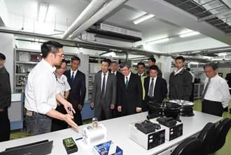 陳建仁參訪為升電裝工業 肯定立足台灣