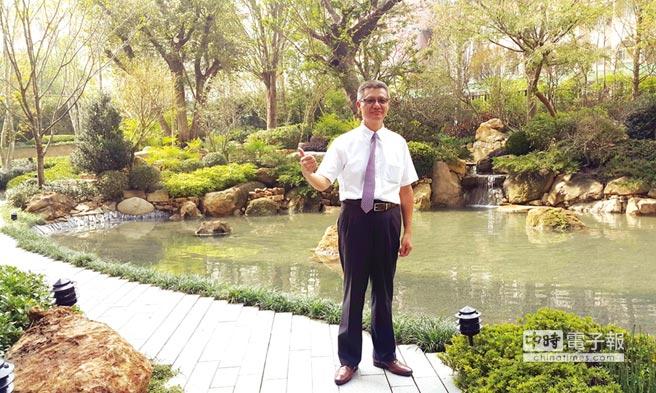 惠宇建設總經理顏定滄指出,「惠宇上晴」是台中唯一擁有近千坪生態湖景花園的幸福好宅。圖/王妙琴