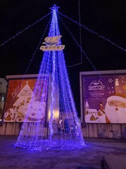 海安商圈點亮耶誕樹 米蘭髮型呈現時尚感