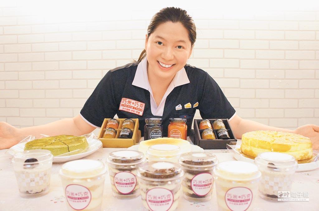 劉彥萍在職進修甜品製作有成,夫妻攜手創業獲顧客好評。(吳江泉攝)