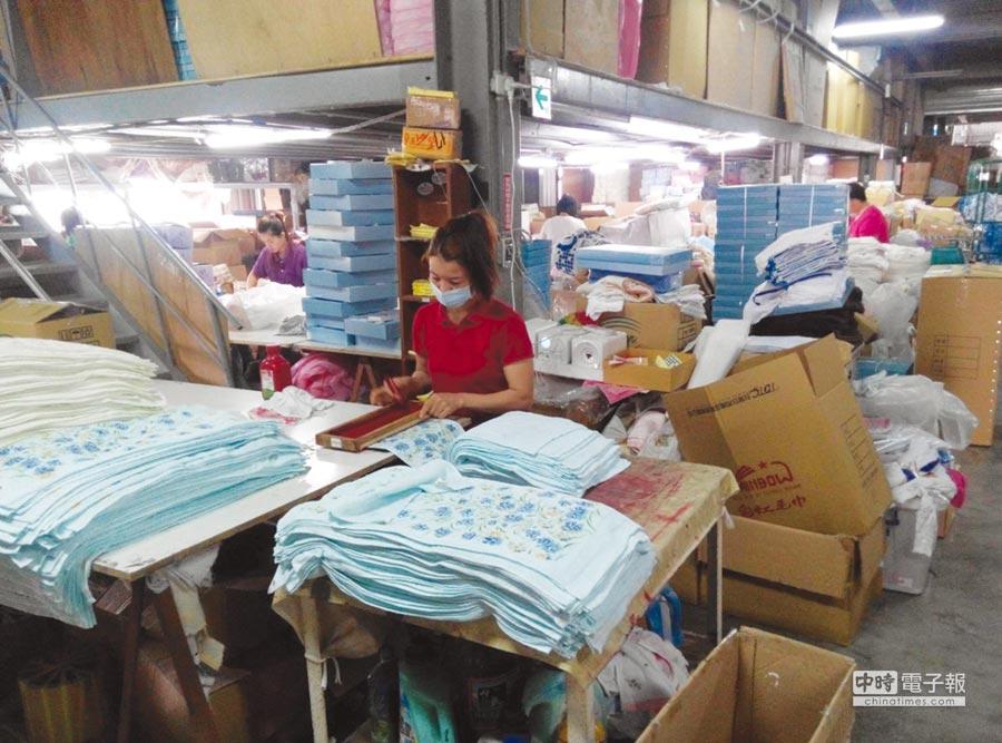 財政部將對大陸產製進口毛巾,展開是否繼續課徵反傾銷稅調查。圖/本報資料照片