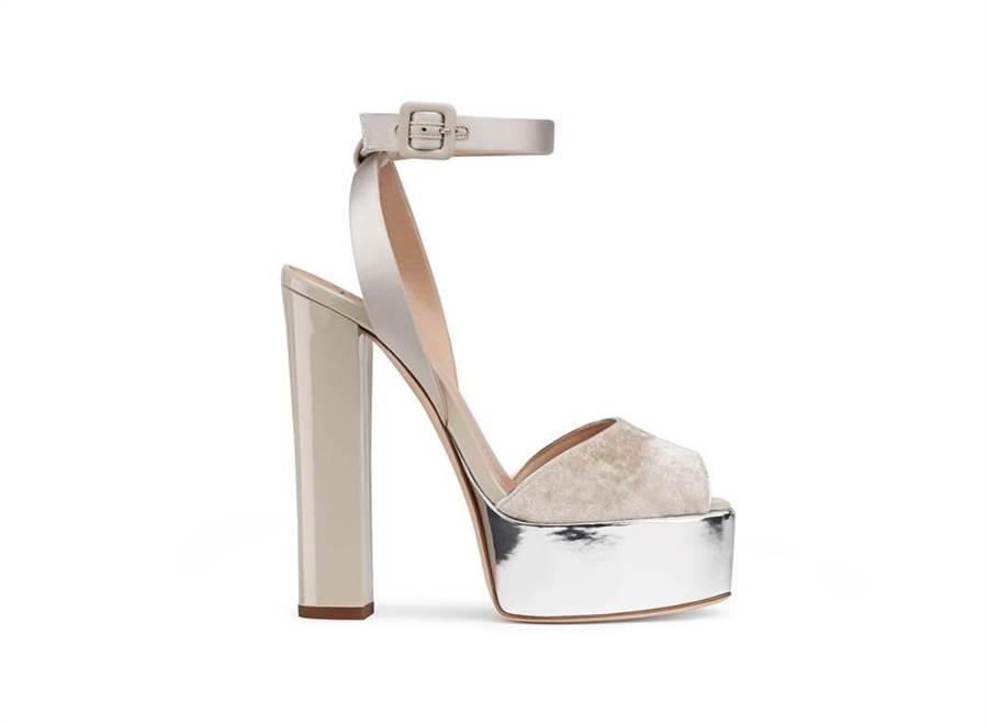 Giuseppe Zanotti Design 裸膚色粗高跟鞋(圖/品牌 提供)