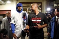 NBA》說到做到!詹姆斯穿小熊球衣現身