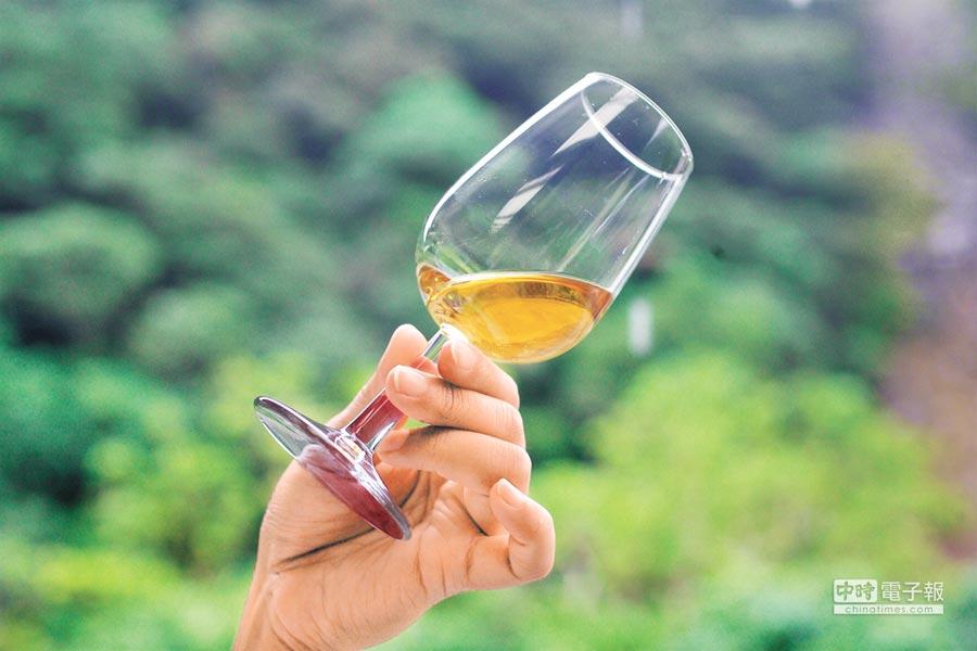 由金棗發酵而成的金棗酒,有著天然發酵好滋味。(陳志東攝)