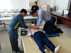 太平警分局學AED 化身急救小天使