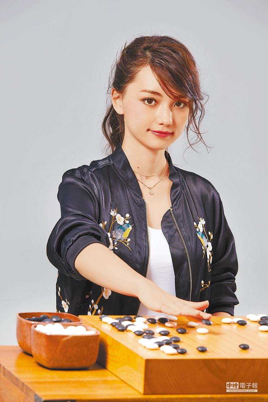 黑嘉嘉自14歲正式成為職業棋士後,擁有一票死忠棋迷。