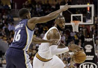 NBA》詹姆斯當教練 會殺了自己球員?