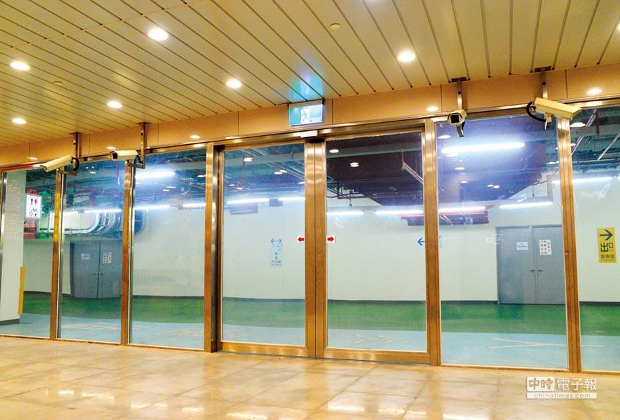 台中市火車站採用聯合美的防火玻璃門窗。圖/業者提供