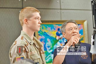 《中場戰事》台灣票房破億 李安送軍人學生耶誕大禮