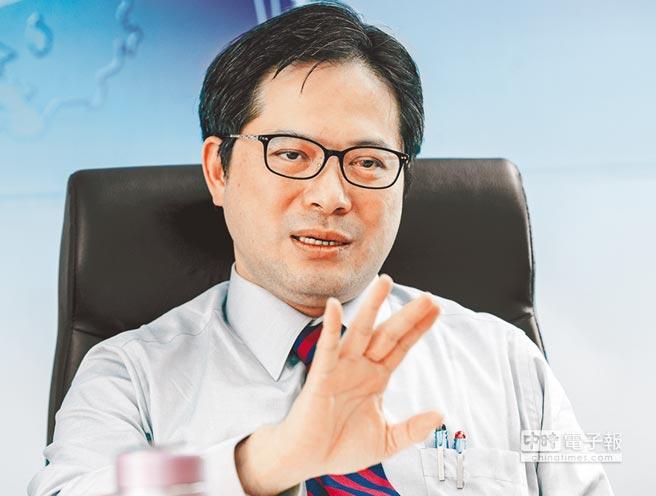 經濟部工業局長吳明機(鄭任南攝)