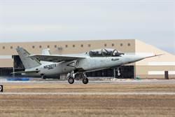 天蠍式教練機首飛 強調低成本高性能