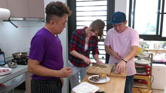 康康、安妮尋美味 總舖師端阿嬤的雞蛋湯暖心暖胃