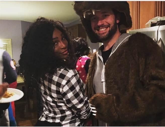 小威廉絲在Instagram上公布了與未婚夫奧漢尼安的合照。(圖/小威Instagram)