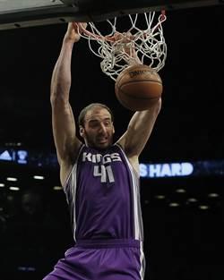 NBA》火箭魔掌又有新目標 瞄準國王考佛斯