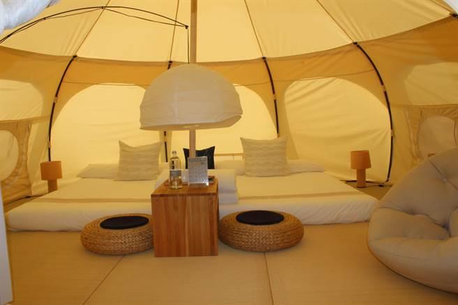 晚上入住一應具全的帳篷,可聽著蟲鳴蛙叫進入夢鄉。(黎薇攝)