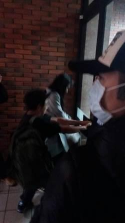 興航臨時股東會爆衝突  工會代表破壞門把遭逮