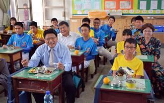 屏市學校中央廚房揭牌 4000學生受惠