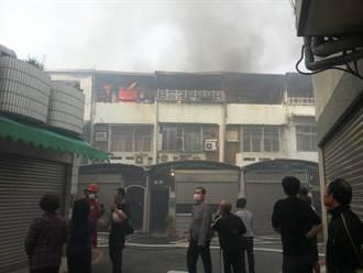台南大同路二段火警 五棟透天厝三樓皆遭祝融