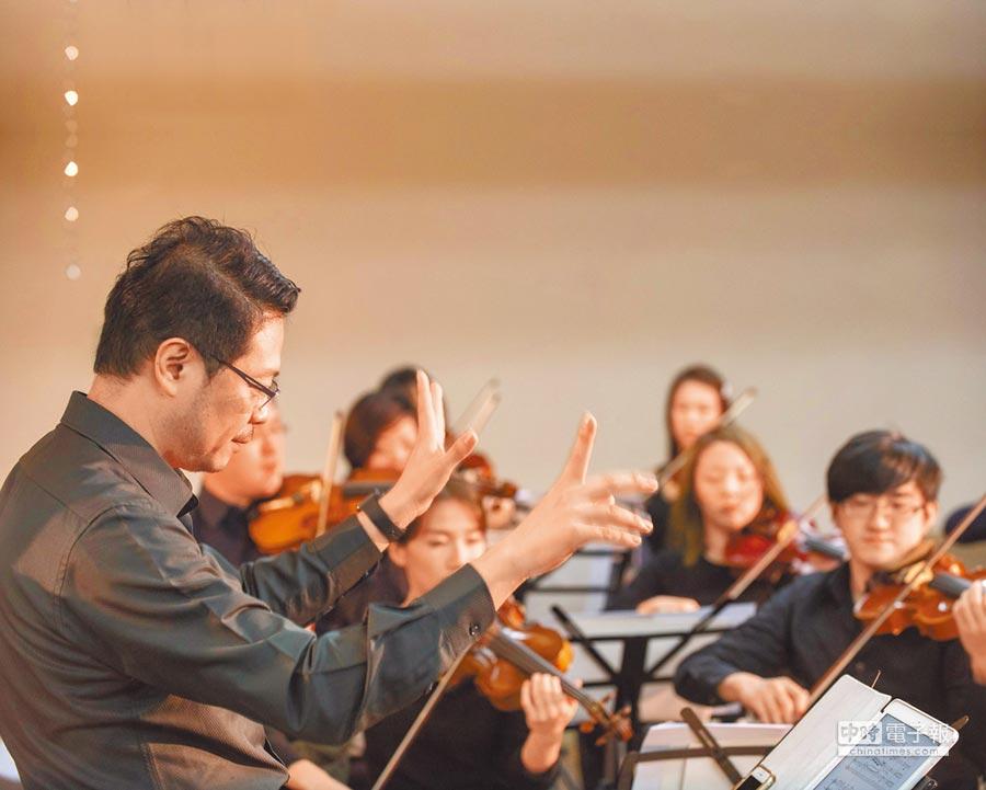 傳藝金曲獎得主李哲藝創立灣聲樂團,專攻台灣作曲家的作品。(灣聲樂團提供)