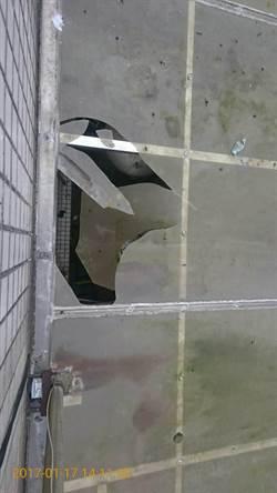 擦玻璃踩破遮光罩 高職生2樓墜地送醫