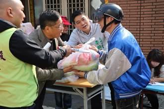 豐穀宮、李柏毅議員及左營區長胡俊雄 捐贈物資助邊緣戶