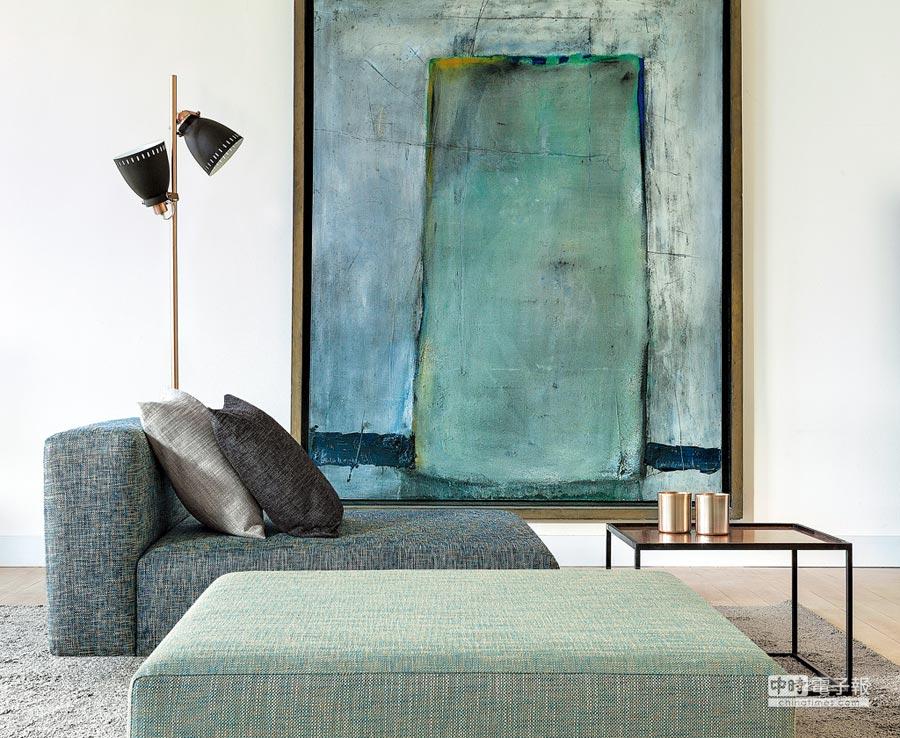 让人眼睛舒适感的绿色调持续是居家的人气色,这是Nya Nordiska的World of Naturals布料搭配。