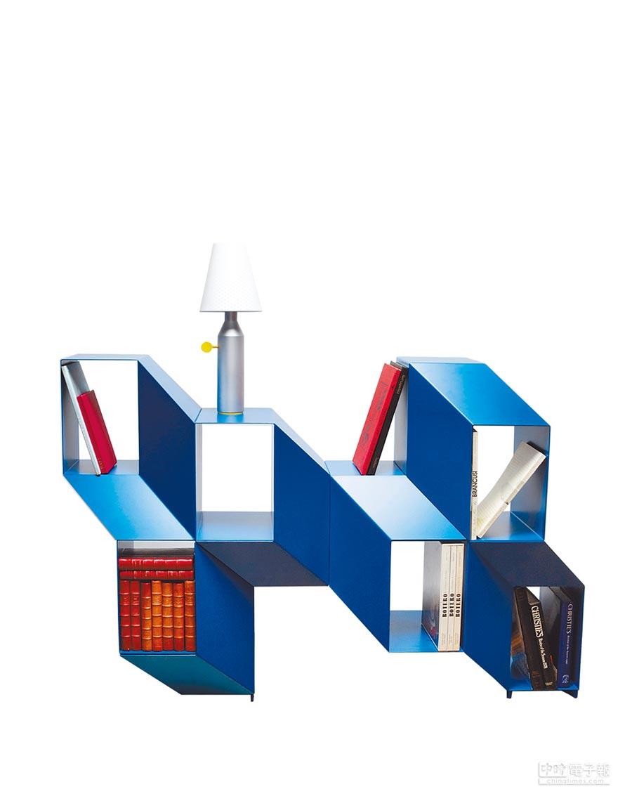 巴黎家饰展中的LA CHANCE的ROCKY几何书架相当抢眼,是设计师Charles Kalpakian的作品。