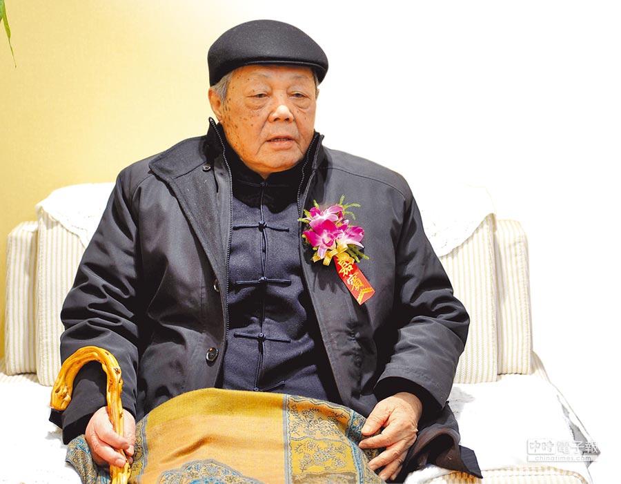 1月22日,中國著名文化學者、紅學家馮其庸先生在北京逝世。(中新社)
