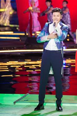 林佳儀為大陸新男星王嘉打造央視《春晚》表演服