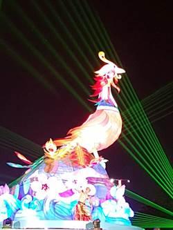 台中公園試燈 七彩「鳳凰」美極了!