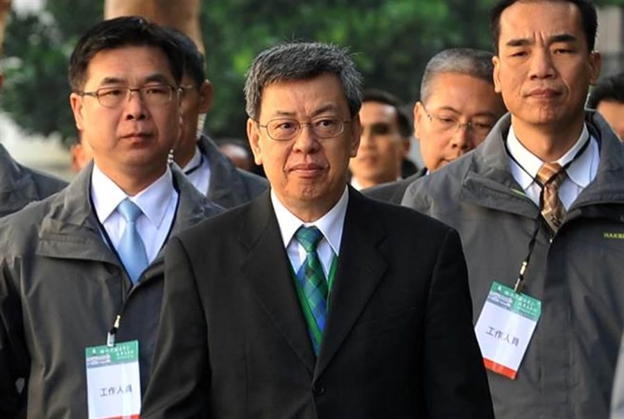 副總統陳建仁在臉書以超過千字的長文回應林濁水、沈富雄對年改方案的批評。(報系資料照 劉宗龍攝)