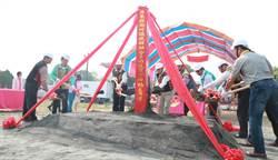 潮州鎮公所自籌1200萬 風雨球場年底建成