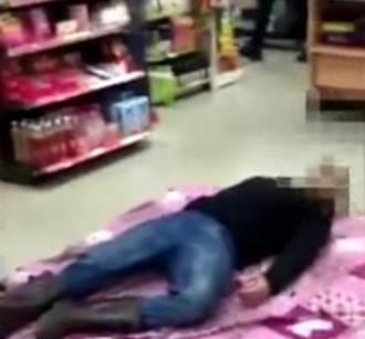 失業男自備毯子躺超商櫃台前 店員傻眼